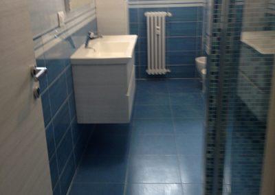 Ristrutturazione Bagni, Ellegi Snc, Milano, base con lavabo integrato, specchio, box doccia, sanitari, termoarredo