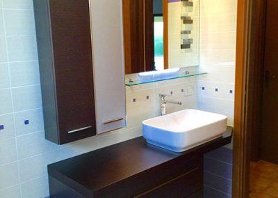 Ristrutturazione Bagni, Ellegi Snc, Milano, base con lavabo, specchio, sanitari, termoarredo