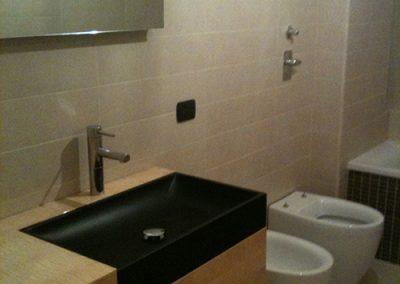 Ristrutturazione Bagni, Ellegi Snc, Milano, base con lavabo integrato, specchio, vasca, sanitari