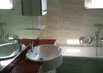 Ristrutturazione Bagni, Ellegi Snc, Milano, base con lavabo integrato, specchio, vasca
