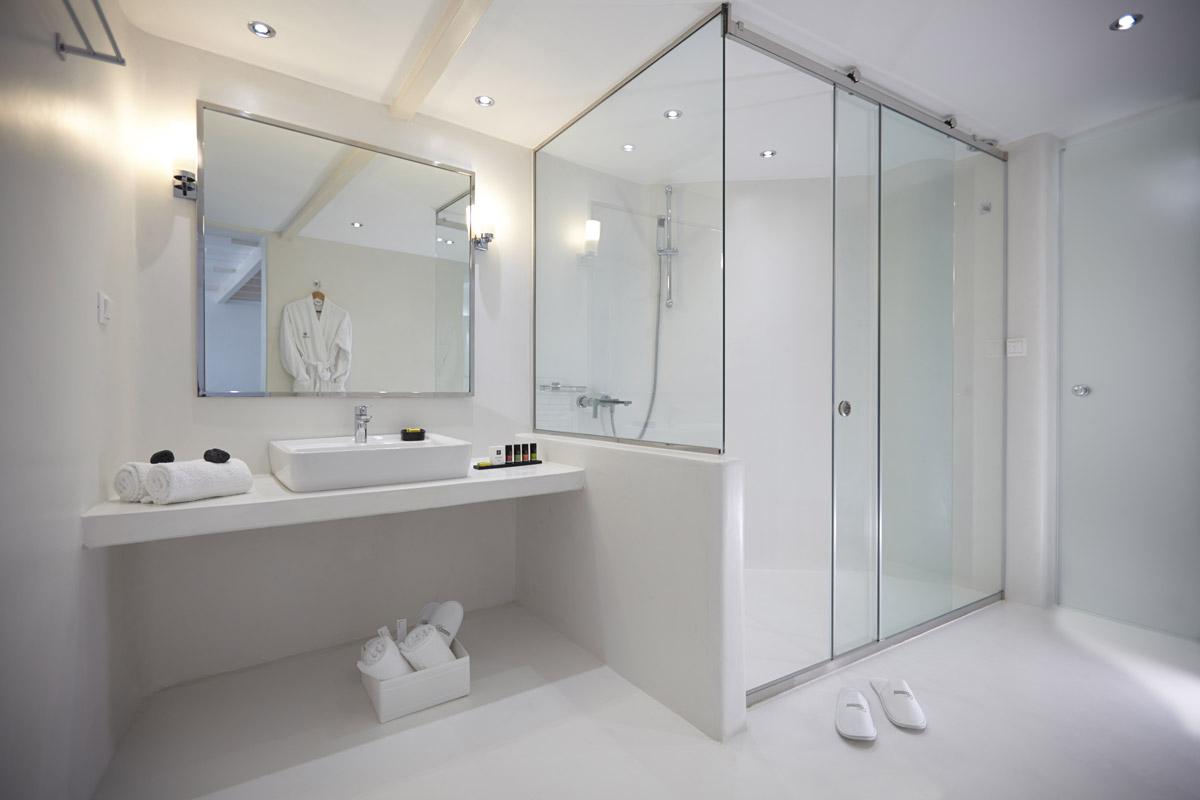 Come ristrutturare il bagno di casa ellegi snc - Bagno con resina ...